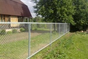 Забор из сетки-рабица